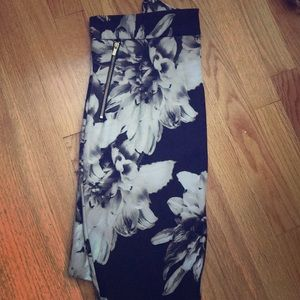 LIKE NEW pencil skirt